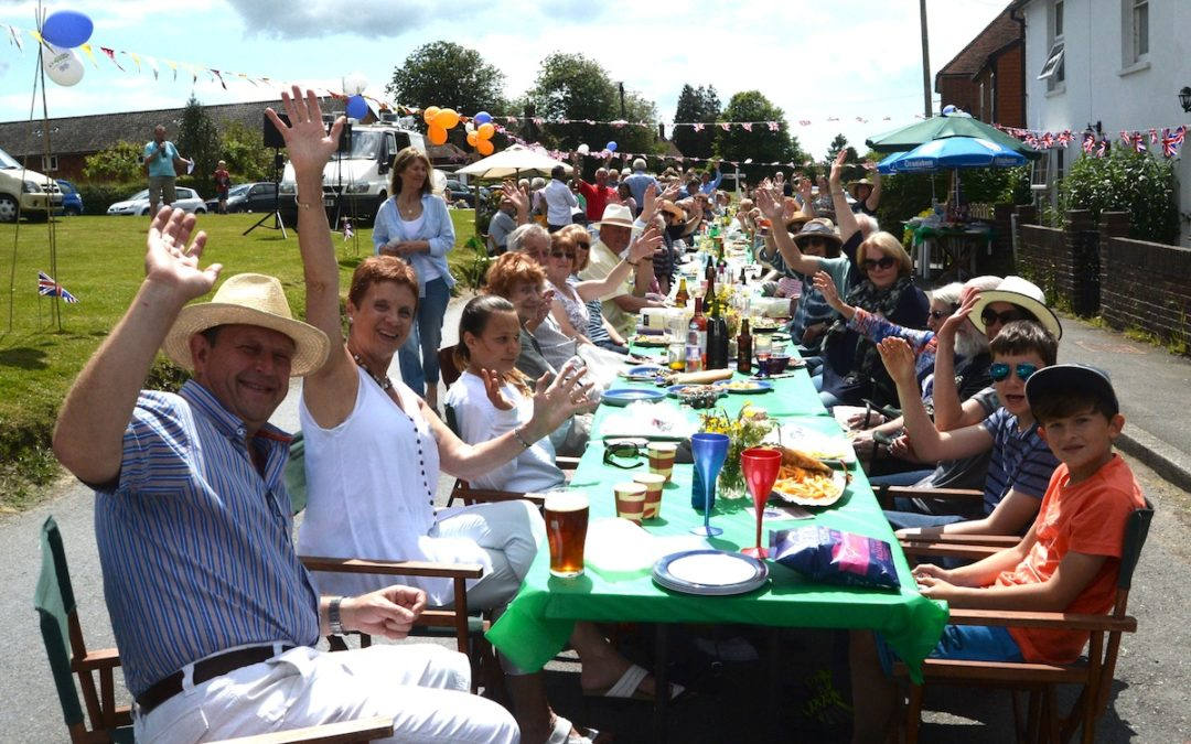 LUNCH on the Green – It's BIG on friendship